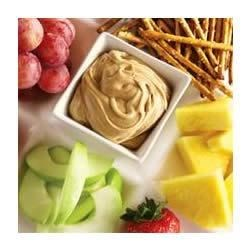 Marshmallow Peanut Butter Dip Recipe - The kids will love this creamy peanut butter dip for their sliced fruit, pretzels or graham crackers.