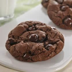 Jumbo Dark Chocolate Cookies Recipe - These cocoa cookies are studded with NESTLE(R) TOLL HOUSE(R) Dark Chocolate Morsels.