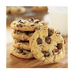 Ultimate Chocolate Chip Cookies Recipe - With this versatile recipe, you can make chocolate chip drop cookies, bar cookies, large round cookies, or chocolate drizzled cookies.