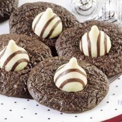 Tuxedo Brownie Hug Cookies