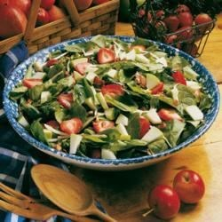 Apple-Strawberry Spinach Salad