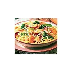 Swanson(R) Chicken Primavera Recipe - This light and flavorful dish features Swanson(R) Premium Chunk Chicken Breast and an assortment of fresh vegetables tossed with cooked spaghetti, Parmesan cheese and a sauce made special with Swanson(R) Chicken Broth.