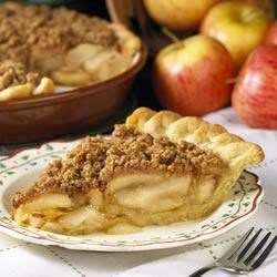 Peanut Crumb Apple Pie Recipe - The only thing that beats a freshly baked apple pie is one topped with this peanut butter crumb topping.