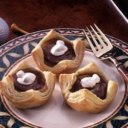 Campbell's Kitchen Chocolate Peanut Butter Cups Recipe - Delicious and fast-fix sweets with a trio of favorite flavors - chocolate, marshmallow and peanut butter - are so easy to bake when you start with Pepperidge Farm(R) Puff Pastry Shells.