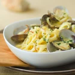 Linguine with Clams in Saffron Alfredo Sauce