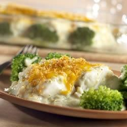 Broccoli Fish Bake Recipe - Layers of broccoli, fish and a creamy, cheesy sauce are topped with crunchy bread crumbs.