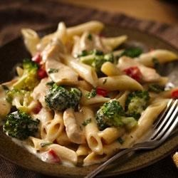 Roasted Garlic Chicken Penne Recipe - Enjoy this delicious chicken-broccoli-pasta dinner made using Progresso™ Recipe Starters™ creamy roasted garlic with chicken stock cooking sauce--ready in only 30 minutes.