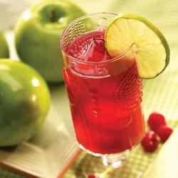 Smucker's(R) Apple Raspberry Juice Recipe - Raspberry jam is the secret ingredient in this refreshing twist on apple juice.
