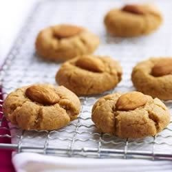Almond Butter Cookies Recipe - A whole-wheat and almond butter version of the Chinese cookie classic. These treats are an ideal partner-in-cookie-crime to a cold glass of milk or a cup of afternoon tea.