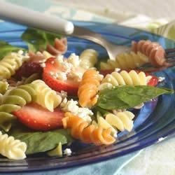 Wacky Mac® Berry and Spinach Salad