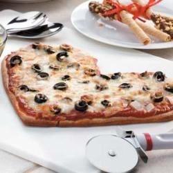 Be-My-Valentine Pizza