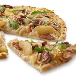 Sweet 'n Savory Chicken Sausage and Apple Pizza Recipe - The sweetness of apples is complemented with savory chicken-apple sausages, caramelized onion, cheese and peppery arugula.