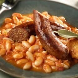 Cannellini Beans and Italian Sausage Recipe - The great flavors and healthy qualities of this beloved Italian bean are made even more delicious with this Johnsonville recipe. The vegetables in this hearty dish make it healthy, the Johnsonville Italian Sausages, make it to die for