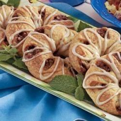 Pecan Sweet Roll Rings