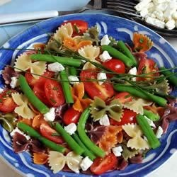 Wacky Mac(R) Green Bean, Tomato and Feta Cheese Salad Recipe - Combine Wacky Mac with green beans, tomatoes and feta to create this Greek-inspired dish.