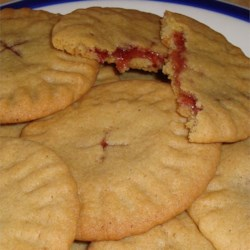 Granny's Strawberry Preserves-Filled Cookies