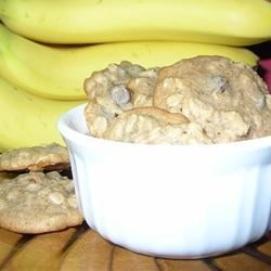 Spicy Oatmeal Cookies Recipe - Very soft, moist oatmeal cookies with bananas. Very yummy!