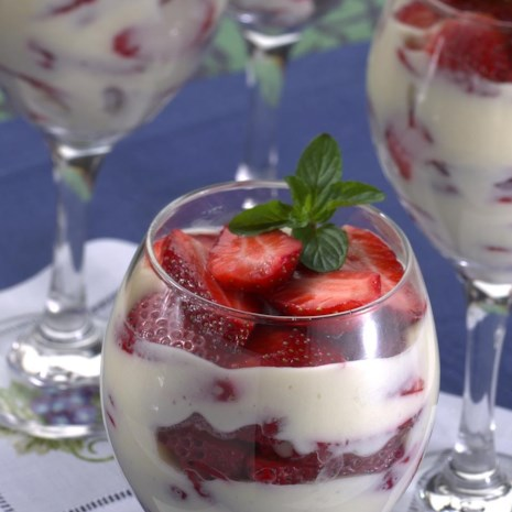 Strawberries-and-Cream Parfaits