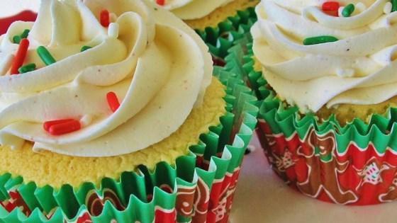 Easy Eggnog Cupcakes
