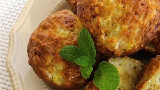 Deliciously Moist Pineapple Muffins