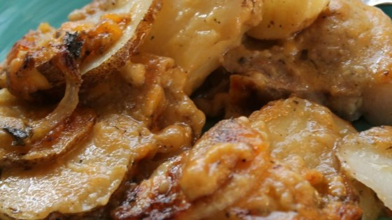 Pork Chops with Creamy Scalloped Potatoes
