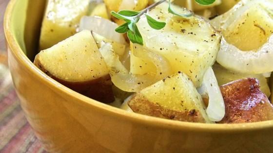 Microwaved Potatoes Lyonnaise