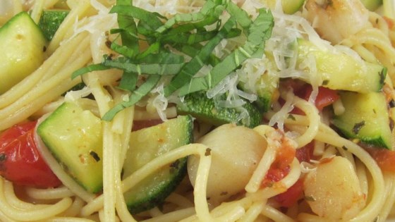 Pasta with Scallops, Zucchini, and Tomatoes Recipe - Allrecipes.com