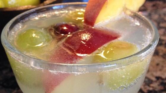 Refreshing Peach Sangria