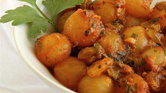Onions in Raisin Sauce