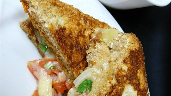 Pico De Gallo Grilled Cheese Sandwich