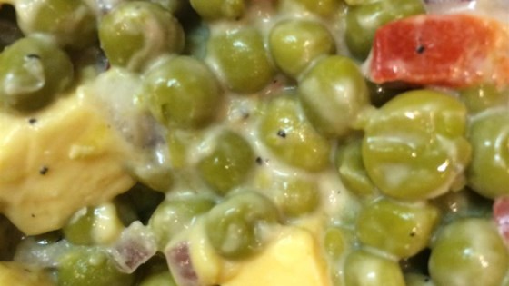Pea Salad With Pimentos and Cheese