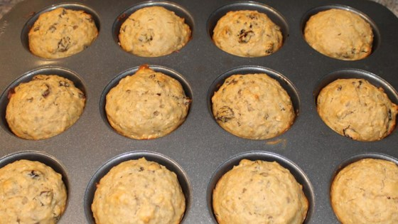 Caramelized Oatmeal Raisin Muffins