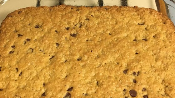 Amazing Oatmeal Chocolate Chip Bars