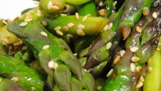 Awesomely Easy Sesame Asparagus