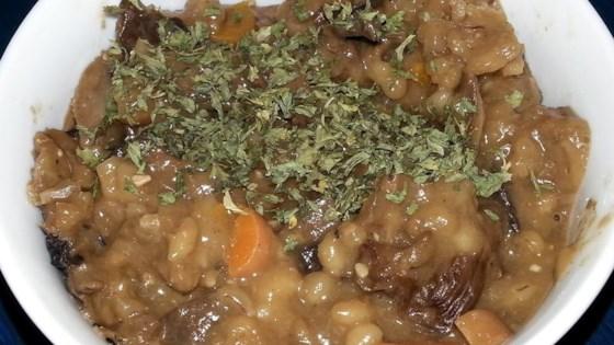 Slow Cooker 5-Mushroom Barley Soup
