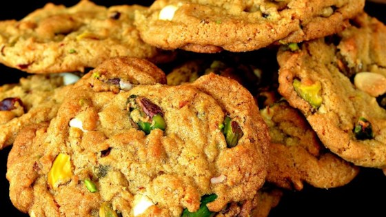 Amazing White Chocolate Chip Pistachio Cookies