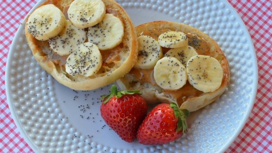 English Muffin with Peanut Butter, Banana, and Chia Seeds