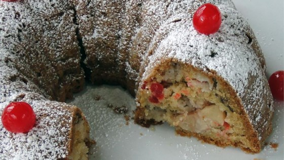 Yummy Apple Pound Cake