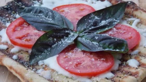 Crispy Grilled Pizza Margherita