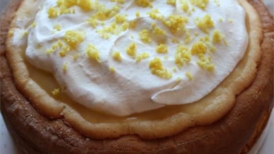 Lemon Lovers Luscious Cheesecake Pie