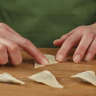 Step 4: Fold Wonton