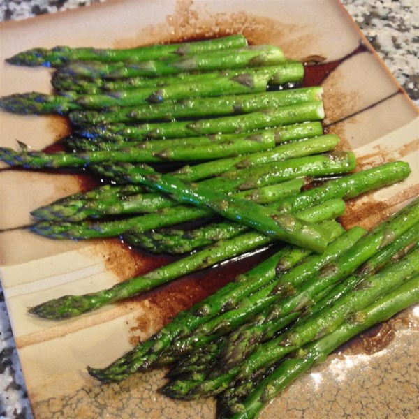 Baked Asparagus with Balsamic Butter Sauce Photos ...