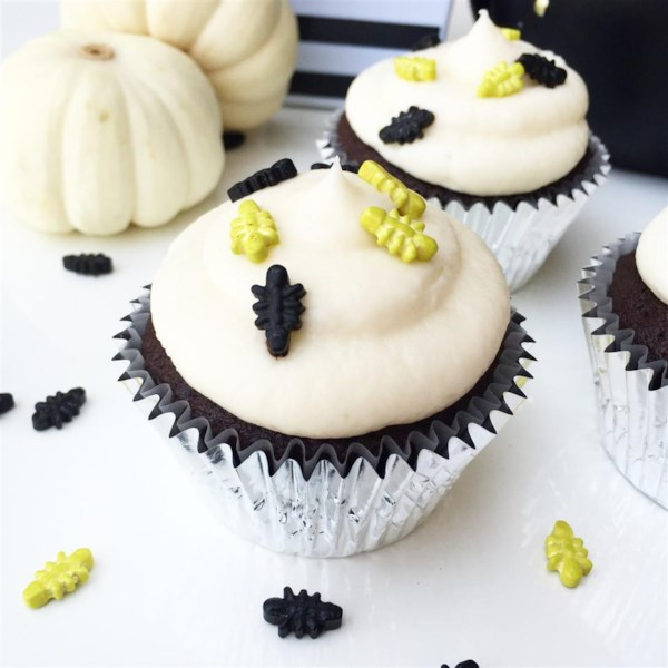 Quick and Almost-Professional Buttercream Icing Photos ...