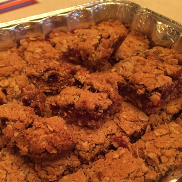 Delicious Raspberry Oatmeal Cookie Bars Photos - Allrecipes.com