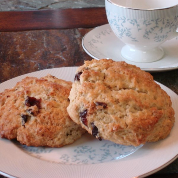 Restaurant-Quality Maple Oatmeal Scones