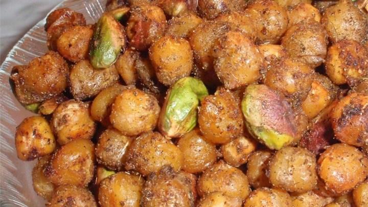 Zesty Garbanzo Beans with Pistachio Nuts
