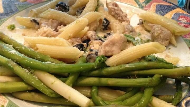 Chicken Asparagus Pasta with Cream Sauce