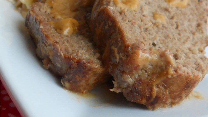 Meatloaf with Sour Cream Sauce