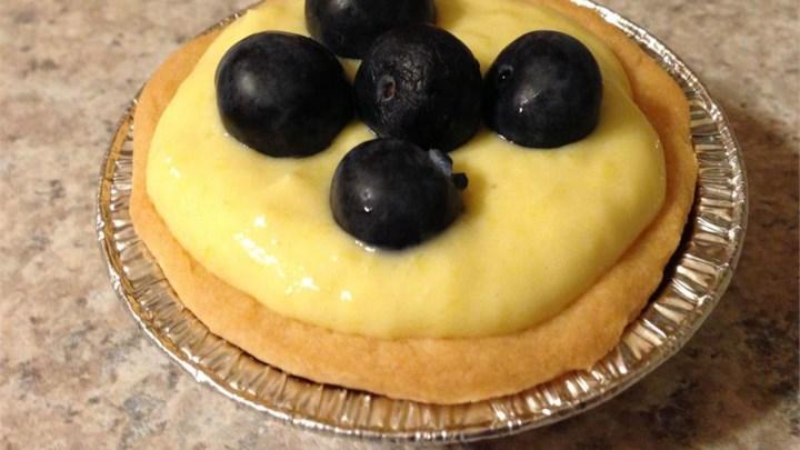 Mango Cheese Tart with Blueberries