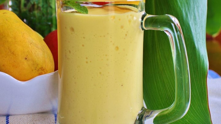 Easy Mango Banana Smoothie